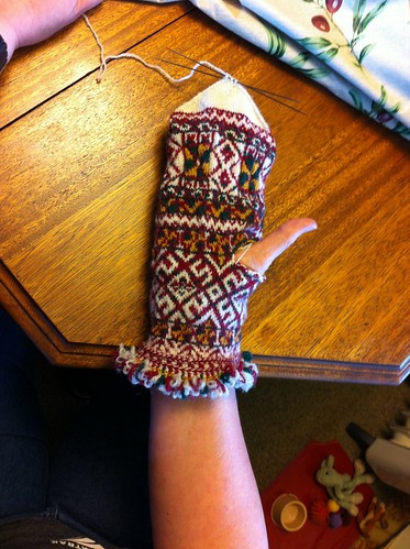 Body of first Zemgale mitten finished! by BlueDragon2