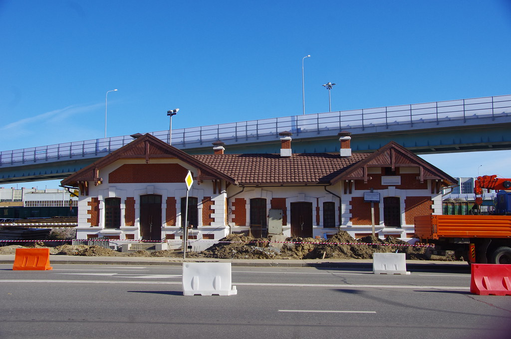 Lefortovo station buildings