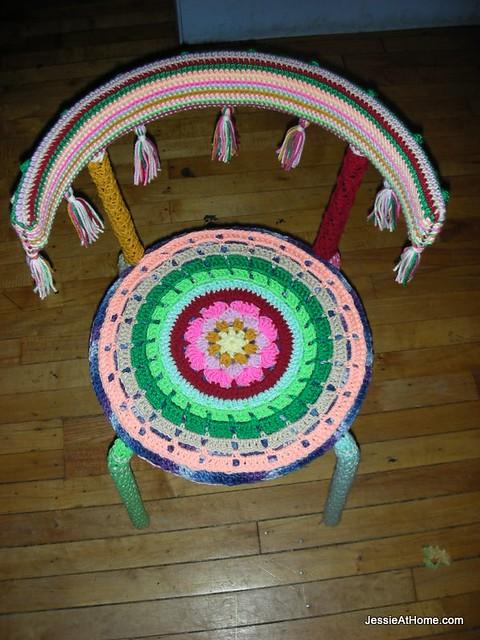 Pretty-Yarn-Bomb-Chair