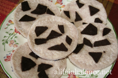 Felt Food for Kids: Chocolate Chip Cookies