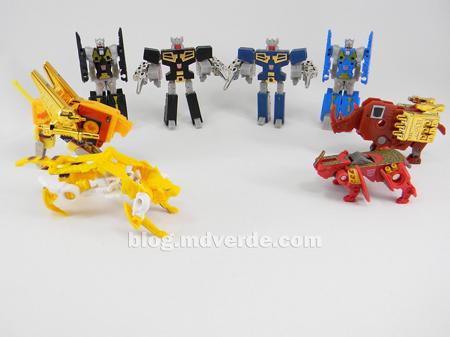 Transformers Data Discs Fall of Cybertron - modo robot vs G1