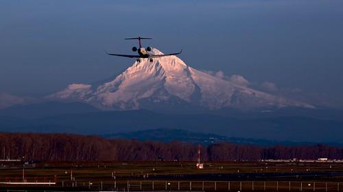 airport hood mount mountain oregon pdx portland snow sunset