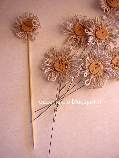 fiore segnaposto, di sughero e spago 3