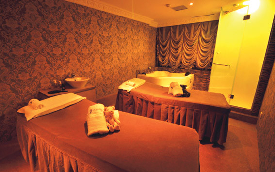Couple Spa room at Rapellez Beauty Spa Liat Towers
