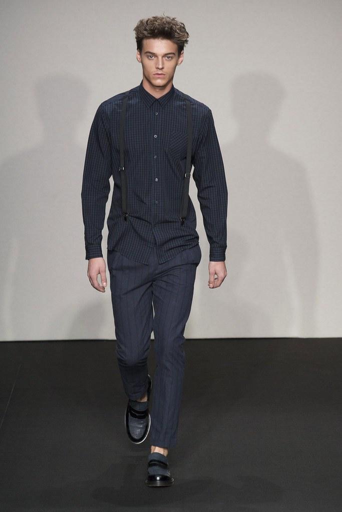 Robbie Wadge3682_FW14 Milan Daniele Alessandrini(fashionising.com)