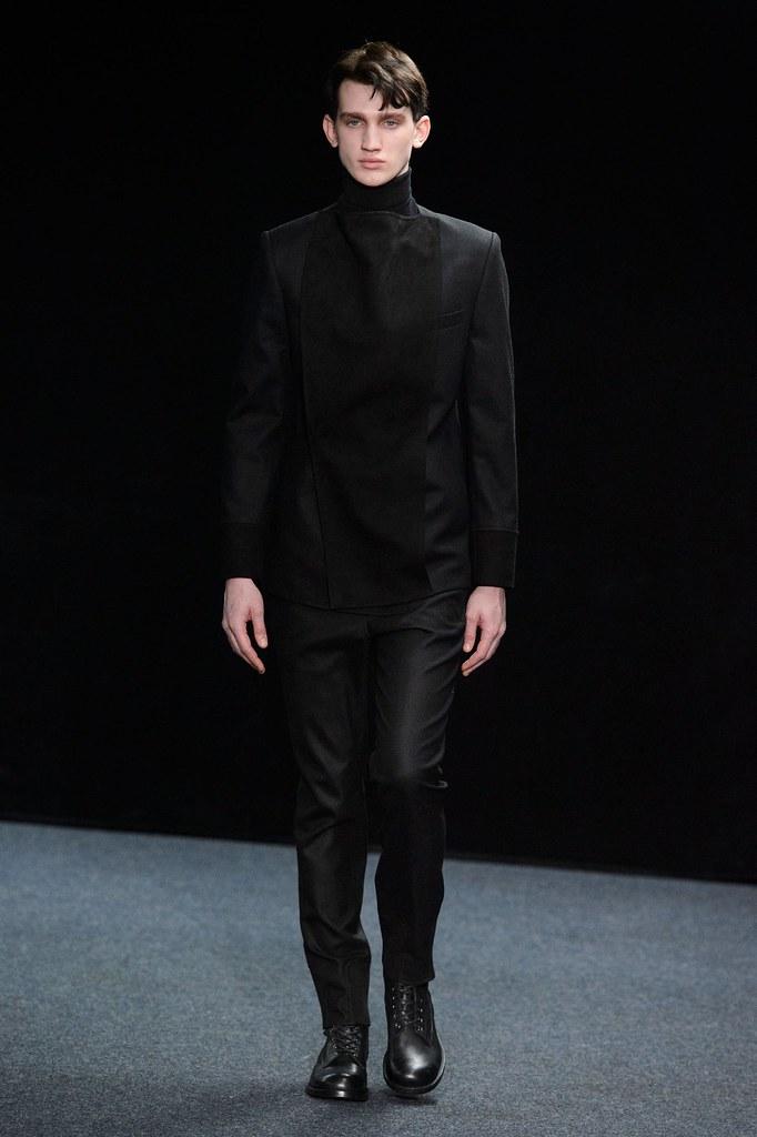 Eugen Ivanov3057_FW15 Paris Songzio(fashionising.com)