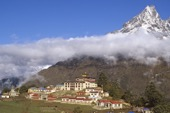 Nepal, Sherpa-Kloster Tengpoche im Everest-Gebiet. Foto: Archiv Härter.