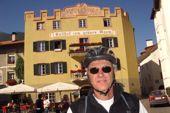 Mountainbike-Kurztransalp St. Anton - Meran. Ankunft in Glurns, Vinschgau. Foto: Alfred Fuchs.