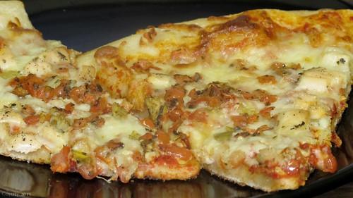 Chicken bruschetta pizza by Coyoty