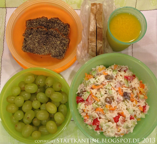 Stattkantine 25. Februar 2013 - Reissalat, Bauernbrot, Mohnkuchen, Trauben