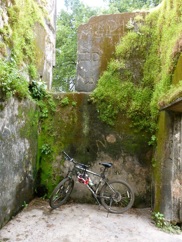 Sion Fort - mutilated walls and my cycle