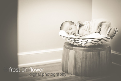 090613-NewbornLeahLR-195