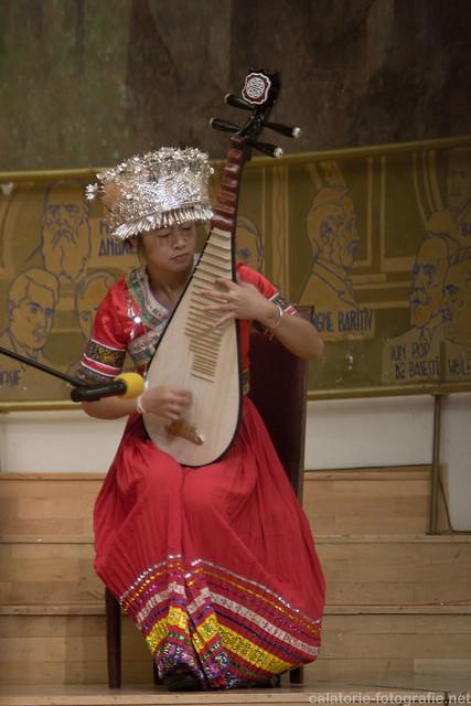 Spectacolul de artă tradițională chinezească, văzut prin obiectivul de 35 mm f/1,8 10198072595_b8efc6ae1a_z