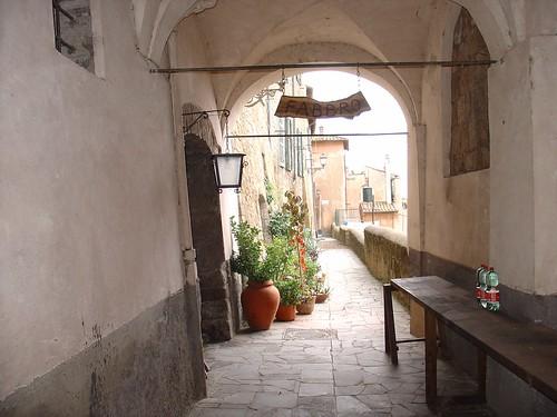Tuscania - Via dei Priori
