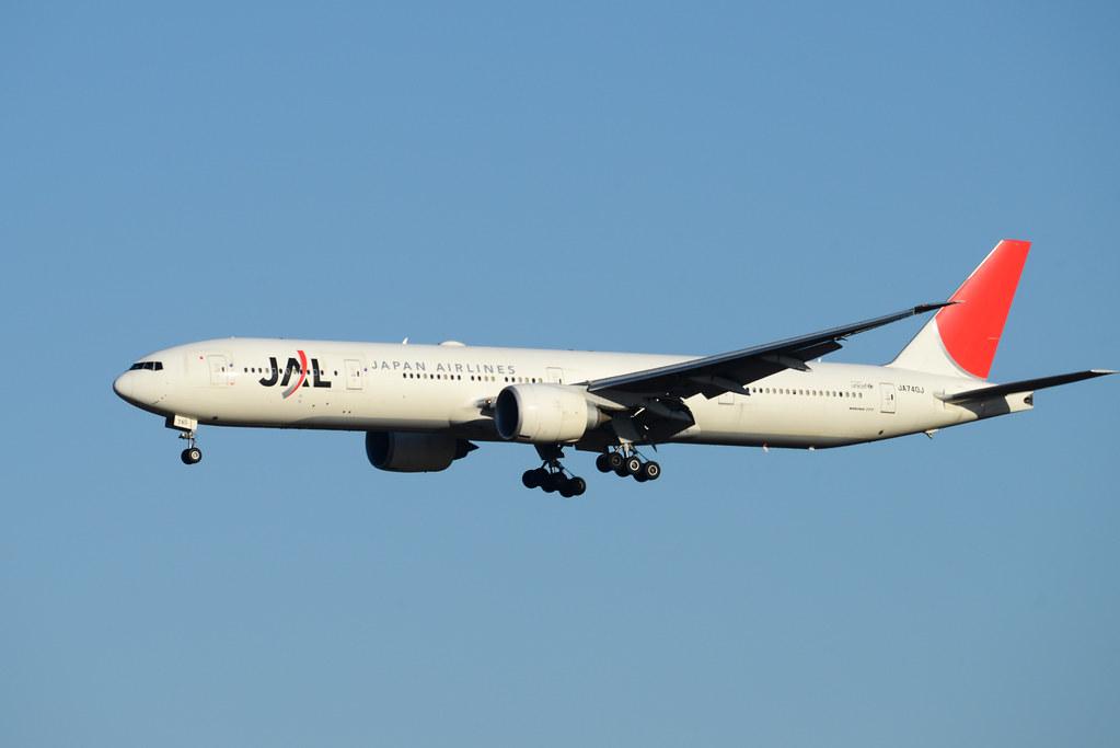JAL 777-300ER JA740J