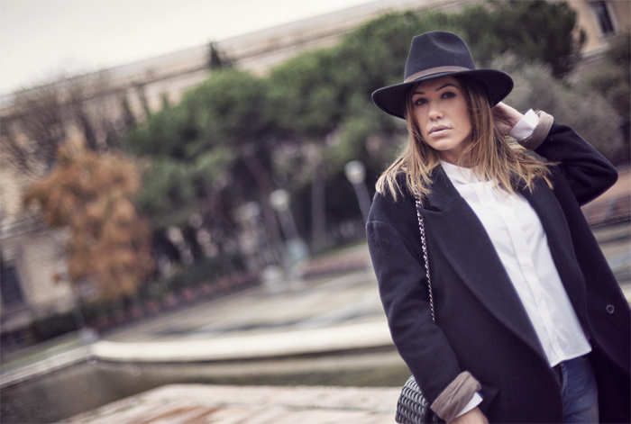 street style barbara crespo asymmetric cotton oxford shirt fashion blogger outfit