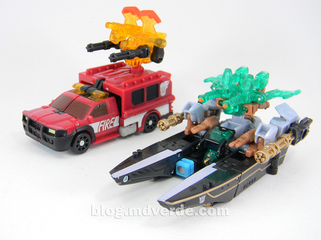 Transformers Undertow con Waterlog Power Core Combiners - modo alterno vs Smolder