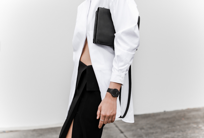 MODERN LEGACY fashion blog street style black and white oversized shirt Dion Lee split skirt Alexander Wang bag Larsson Jennings watch workwear (1 of 1)