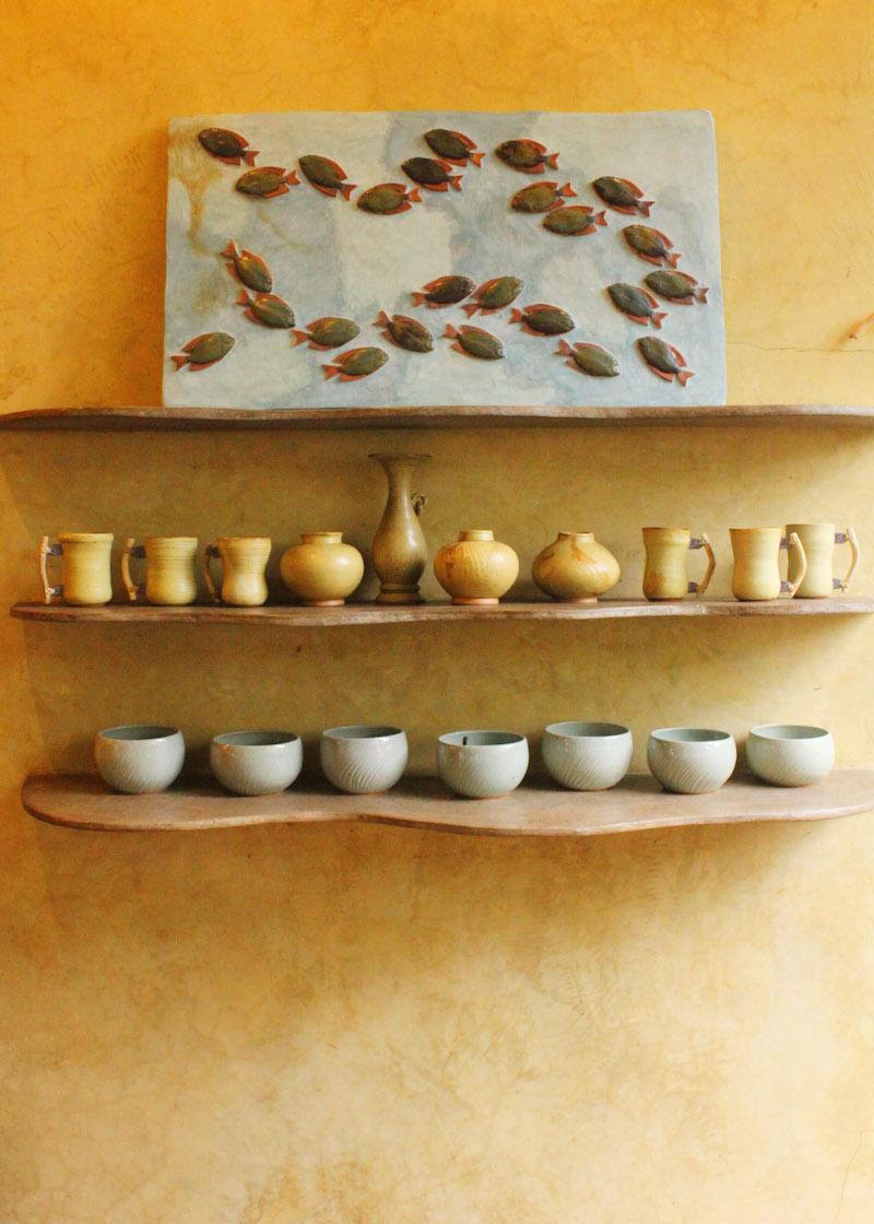 Ugu Bigyan Potter's Garden pottery shop