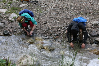Washing off after the Kumbel Peak walk.