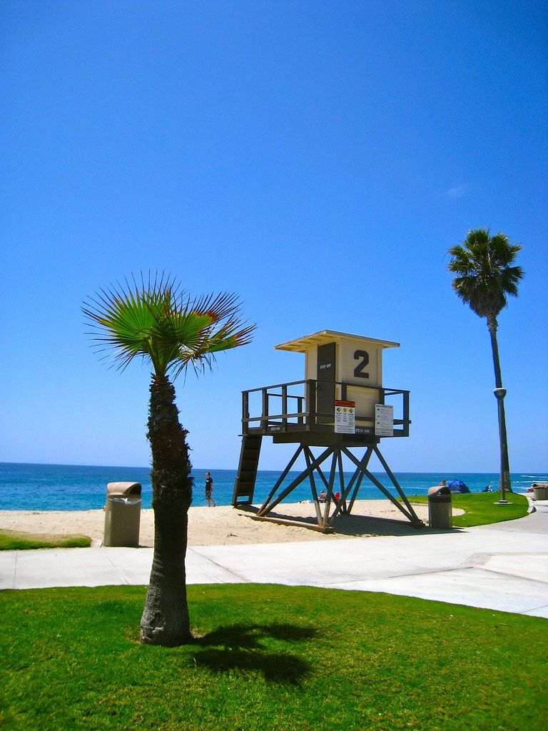 Lifeguard Stand at Aliso Beach, Laguna Beach