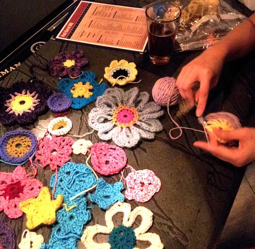 crochet-yarnbomb1