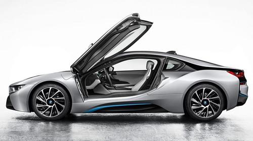 Официальные фото серийного BMW i8 попали в сеть перед Франкфуртским автосалоном
