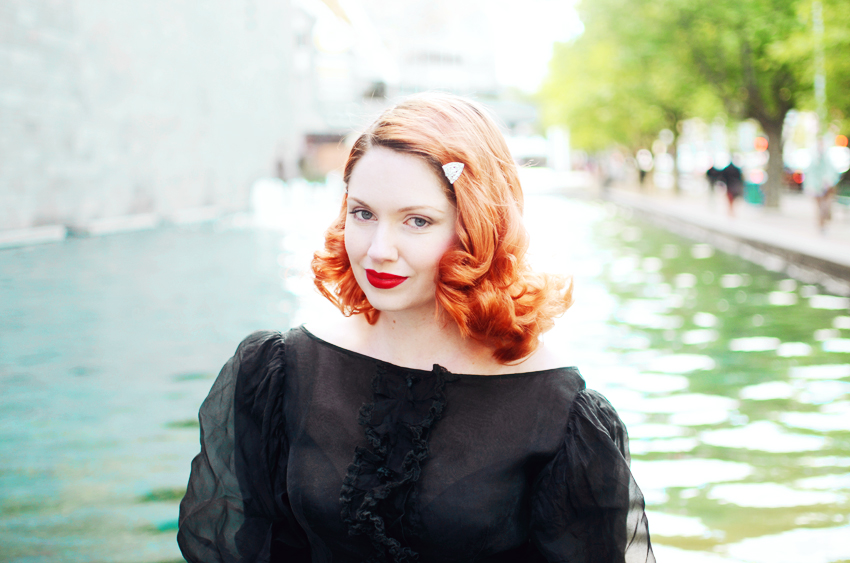 redhair-black-vintage-sheer a