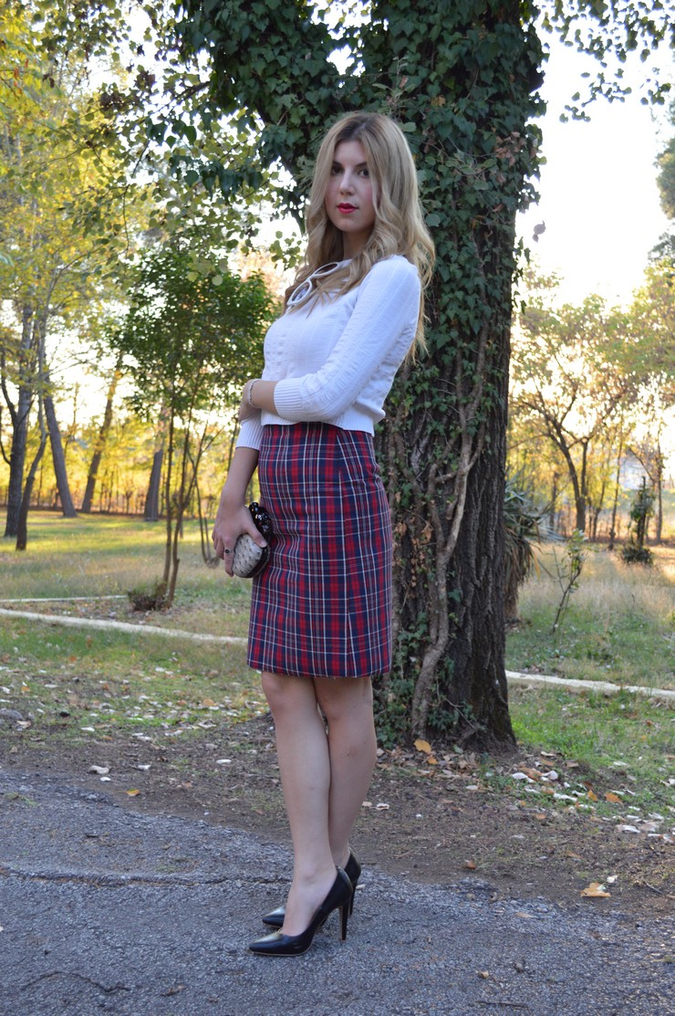 check skirt white top 1