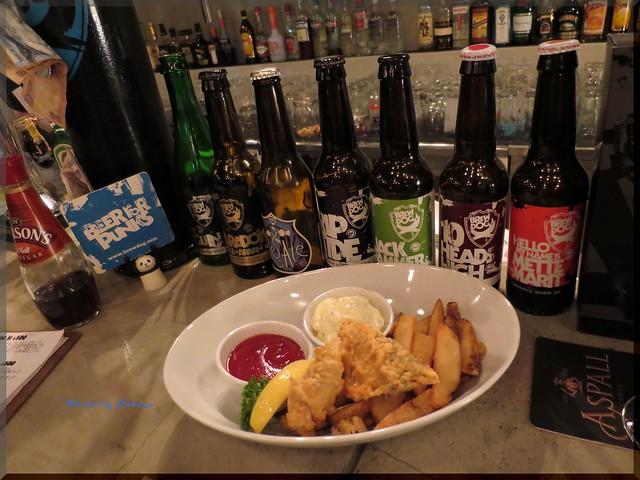 Photo:2013-11-11_ハンバーガーログブック_【池袋】Beer Pub CAMDEN 大好きなビアバーがハンバーガー始めるなんて!-01 By:logtaka