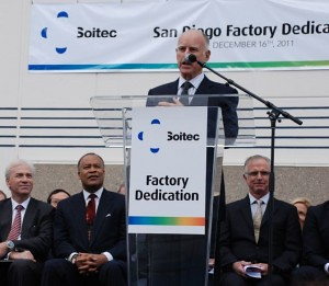 Gov. Brown at Soitec dedication cermony