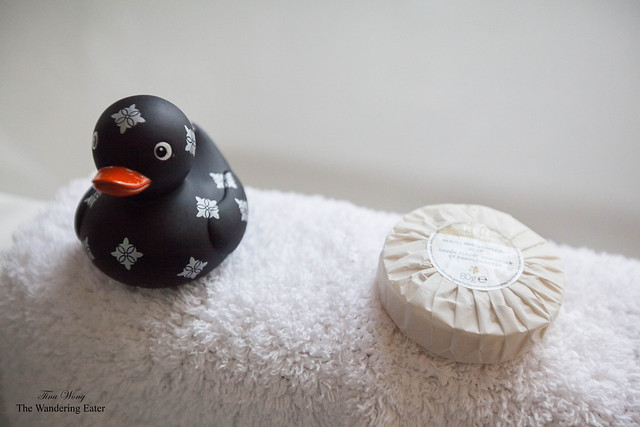 The Fleur de Lis rubber duck and Ren Neroli Soap at the bathtub in Sir George Gilbert Scott Suite