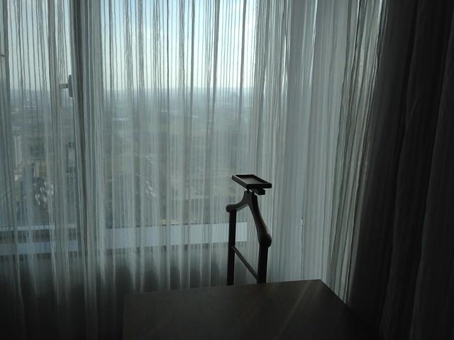 靠窗有個衣架@台中裕元花園酒店