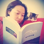 Companheira de leituras. #catlovers #nickie #reading