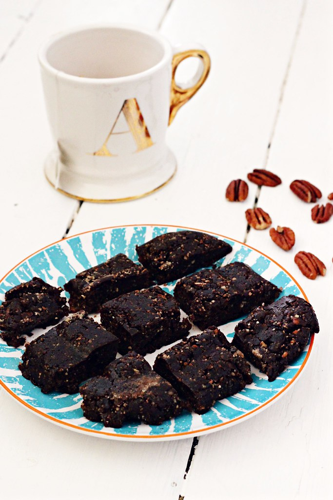 Deliciously Ella's Raw healthy brownies 7