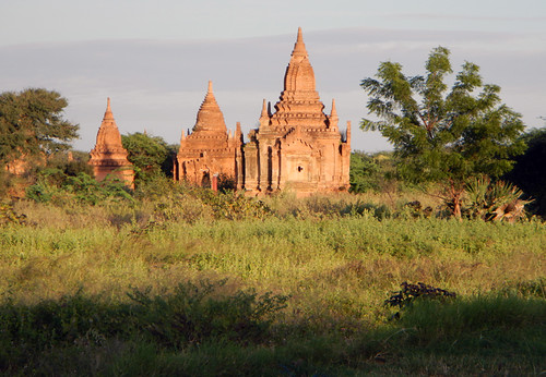 Bagan: Temples By the Hotel