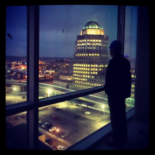 We got to sneak a peek inside of downtown Cincinnati's latest luxury apartment complex, @SevenAtBroadway...