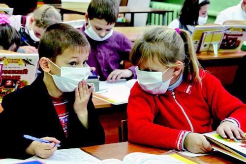 <b>Карантин: хворіють не тільки учні, а й вчителі</b>