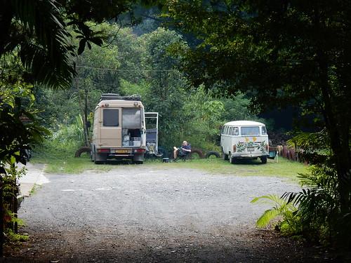 Parque Nacional Victoria - naast Kombi uit Peru