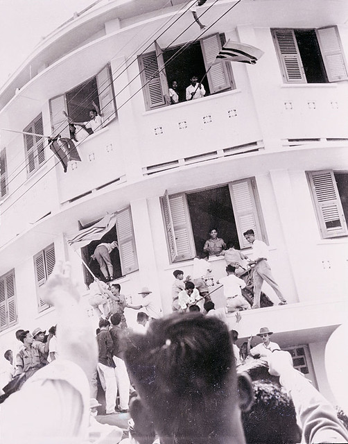 Rioters Sack Hotel in Saigon 1955 - Galliéni Hotel