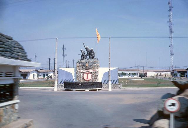 Vietnam Photo 1969-70 by John Mathieson 190th AHC - Bộ tư lệnh Quân Đoàn III tại Biên Hòa