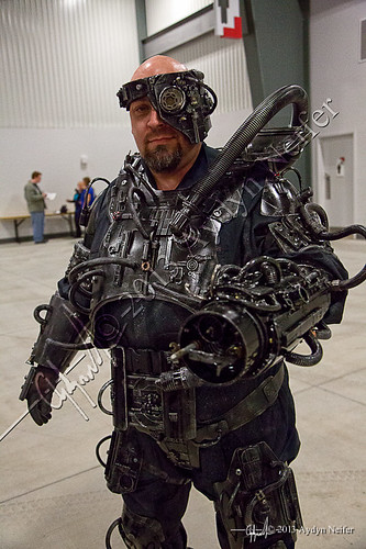 Ottawa Comic Con-Fri May 10 - 2013-12-2