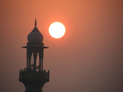 india sunrise delhi mosque paharganj mainbazaar theindiatree qaziwalimosque