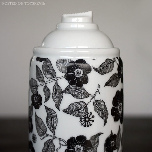 Spray-Paint-Porcelain-Edition-1-by-NooN-CU