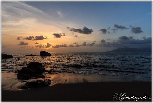 mer soleil eau nuage plage guadeloupe terredebas