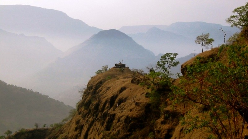 Kangorigad / Mangalgad Trek - The fort in summer