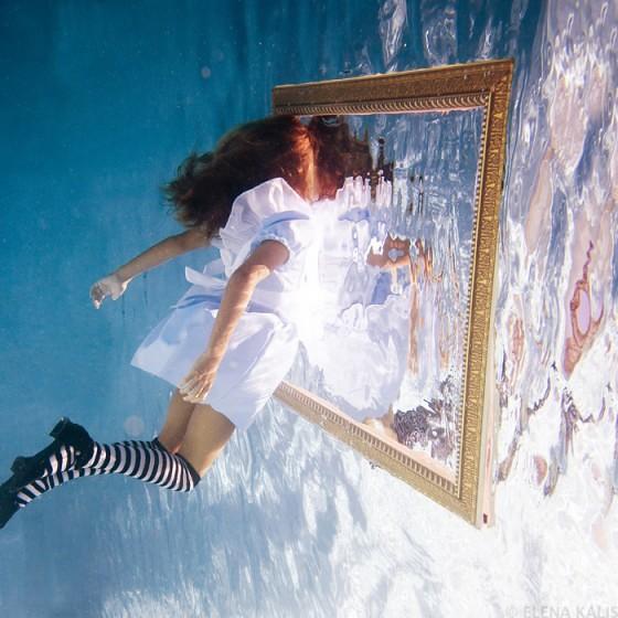 underwater_alice13-560x560