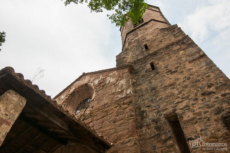 El Monasterio Románico de Sant Joan les Fonts