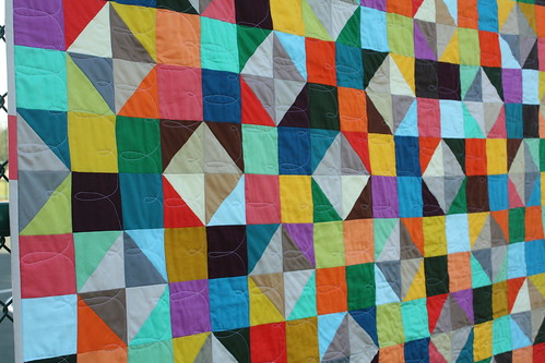 Sparkling Diamonds quilt - FMQ detail 2