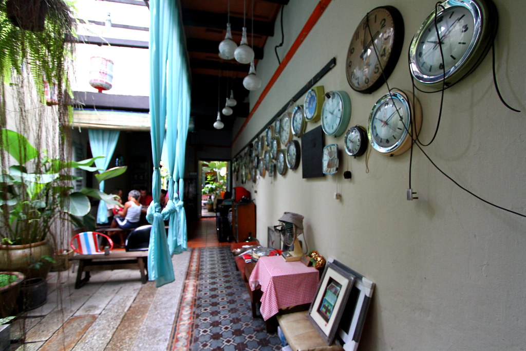 George Town Cafes: MoonTree 47 Interior